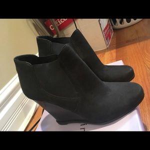 Audrey Brook Wedge heel